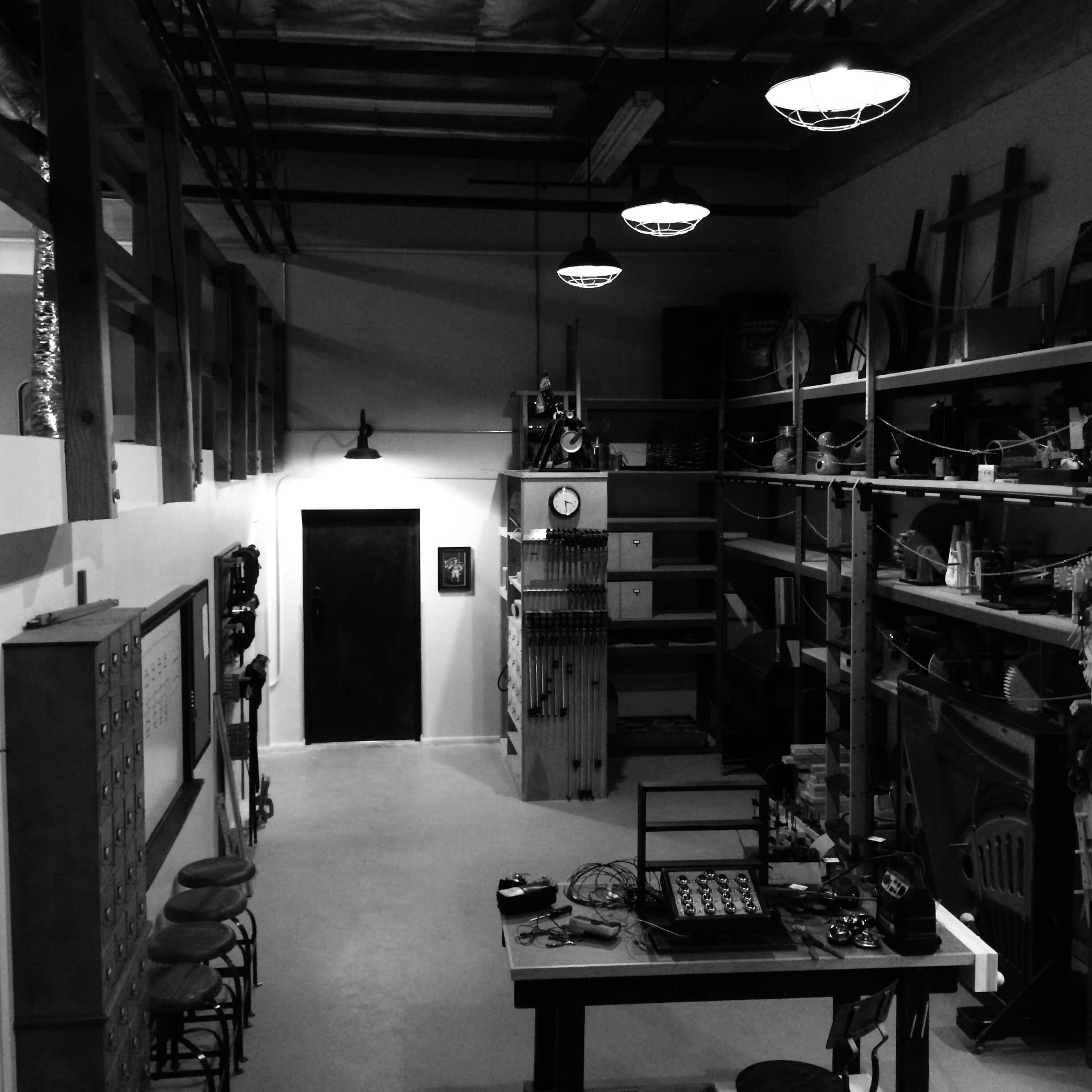 SSI Shop image in black and white
